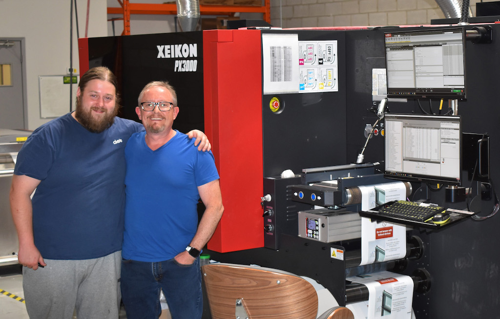 Combining UV Inkjet and Dry Toner Tech for a Digital Label Printing Business