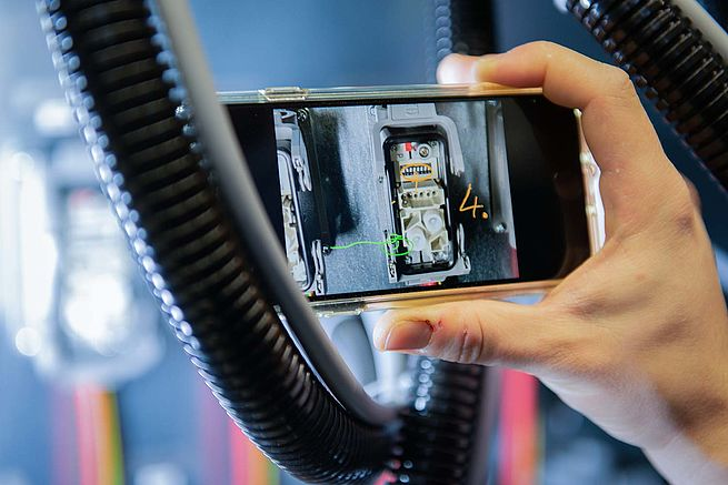 Koenig & Bauer Extends Video- and Photo-Based Support to Mechanical and Technical Issues
